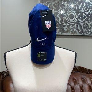 Nike women's hat size 1